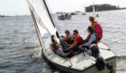 zeilen-in-friesland-zeilarrangementen-groepsarrangementen-ottenhome-heeg-events