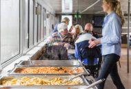 Heerlijk buffet opgesteld in Hotelschip It Beaken